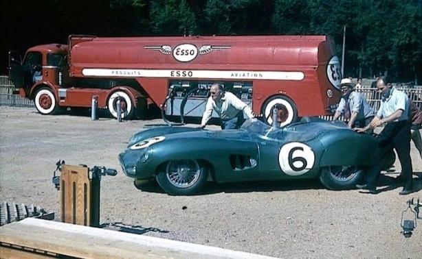 Aston refuelling Le Mans 1959