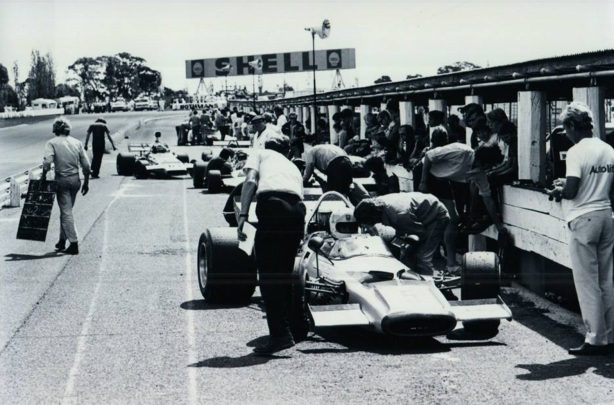 bartlett in pits