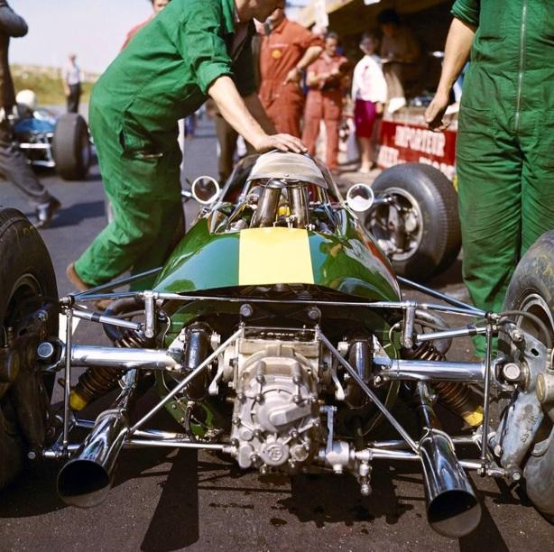 Lotus 33 rear