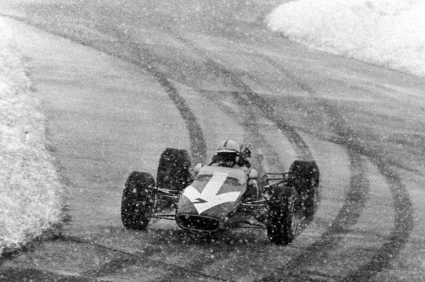 Lola T100 Surtees