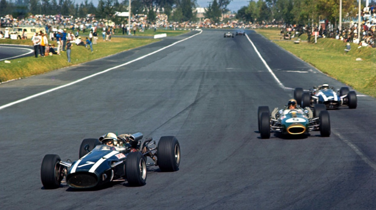 Mexican gp 1966 surtees brabham and rindt