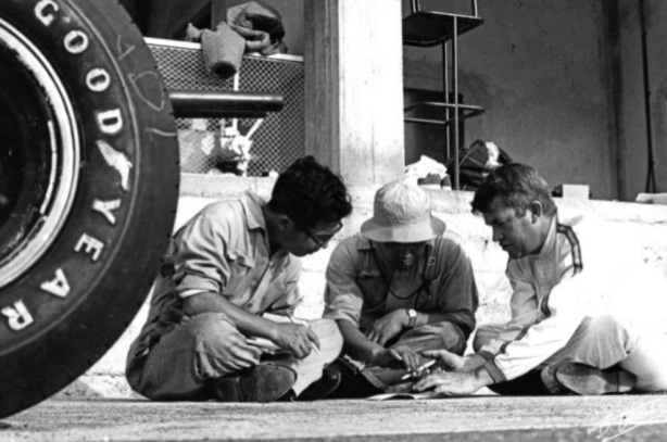 Bucknum and mechanics Monza 1964