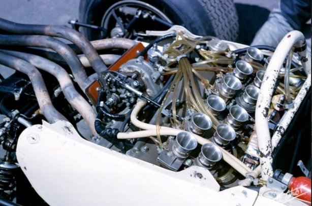 Honda RA272 engine
