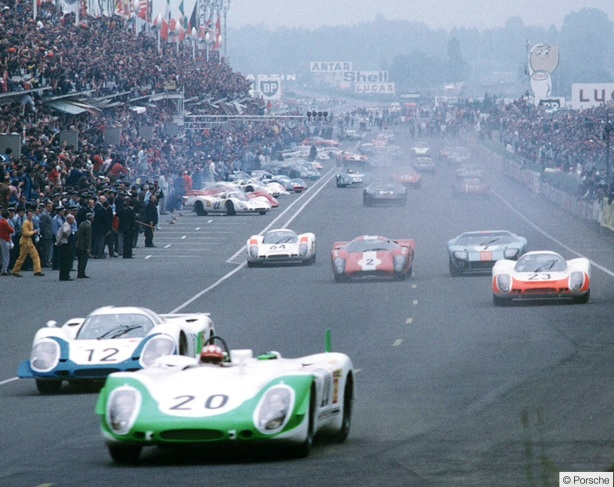 Le mans start 1969 Siffert in lead