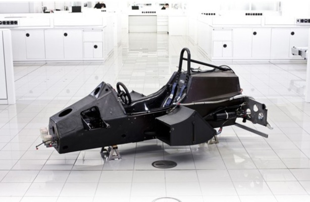 MP4 chassis nude