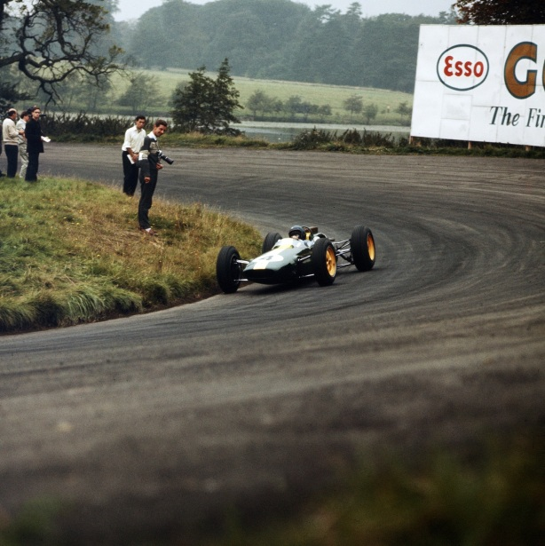 clark winning oulton gold cup 1963
