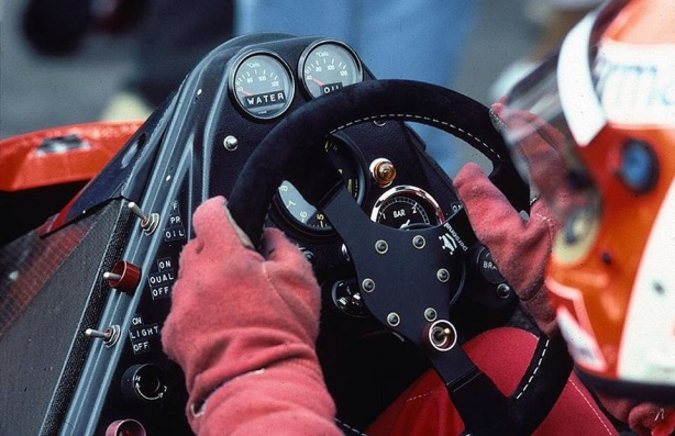 lauda mclaren mp4 cockpit