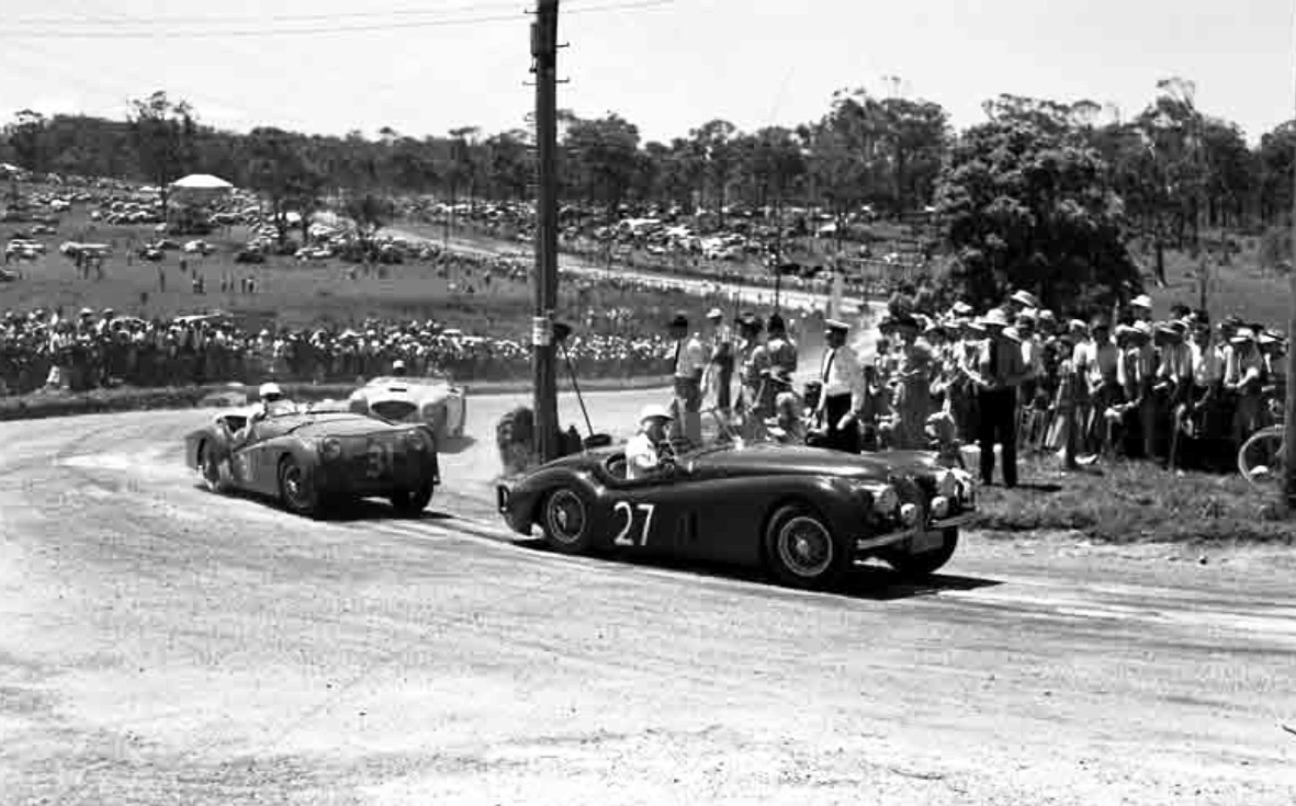 Hwm Jaguar Primotipo 1954 Xk120 Wiring Diagram Brightways And Farren Price Trophy Sportscar Race A Mills Jag Leads David Griffiths Triumph Tr2 G Greigs Austin Healey E Steet