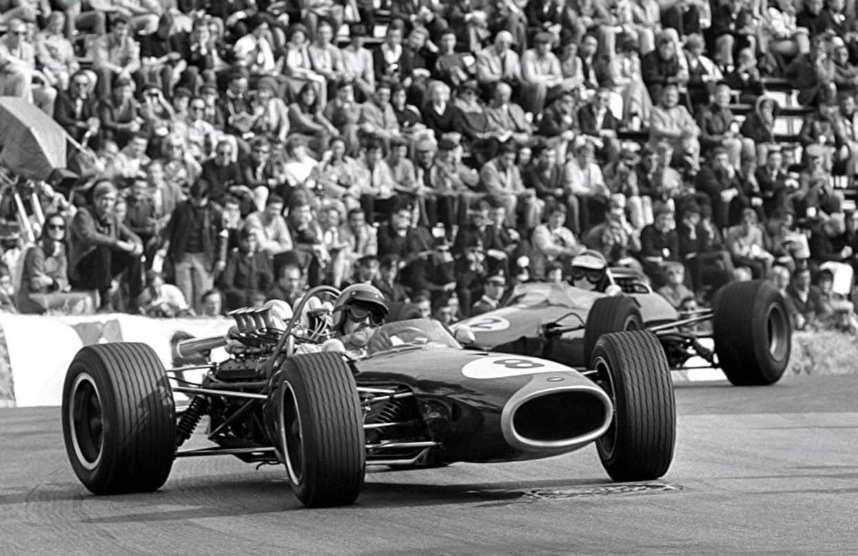 RBE740 powered, here ahead of Jim Clark's Lotus 33 Climax FWMV 2 litre DNF,  with Jack's motor about to go kaboomba (unattributed)